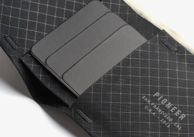 Pioneer_Flyfold_Bifold_Onyx_Official_4_1800x1800